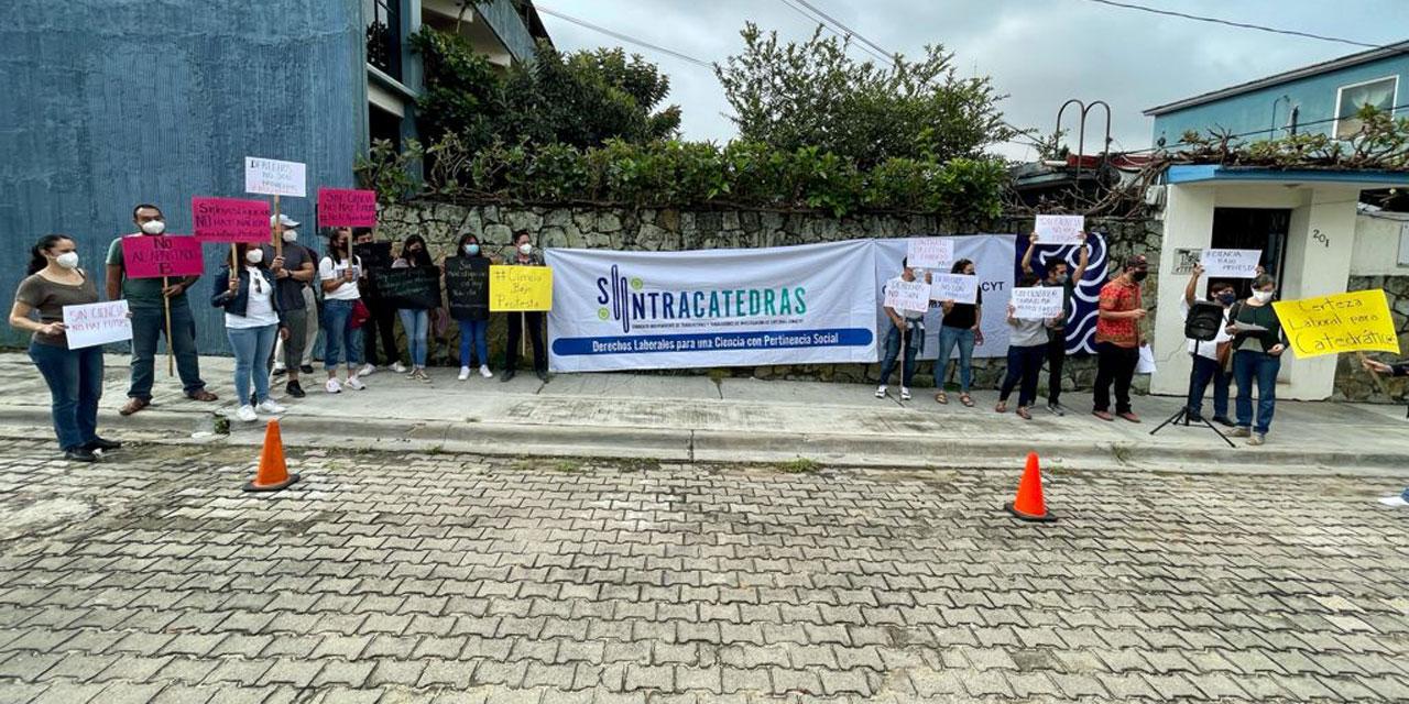Protestan científicos del Cocitei | El Imparcial de Oaxaca