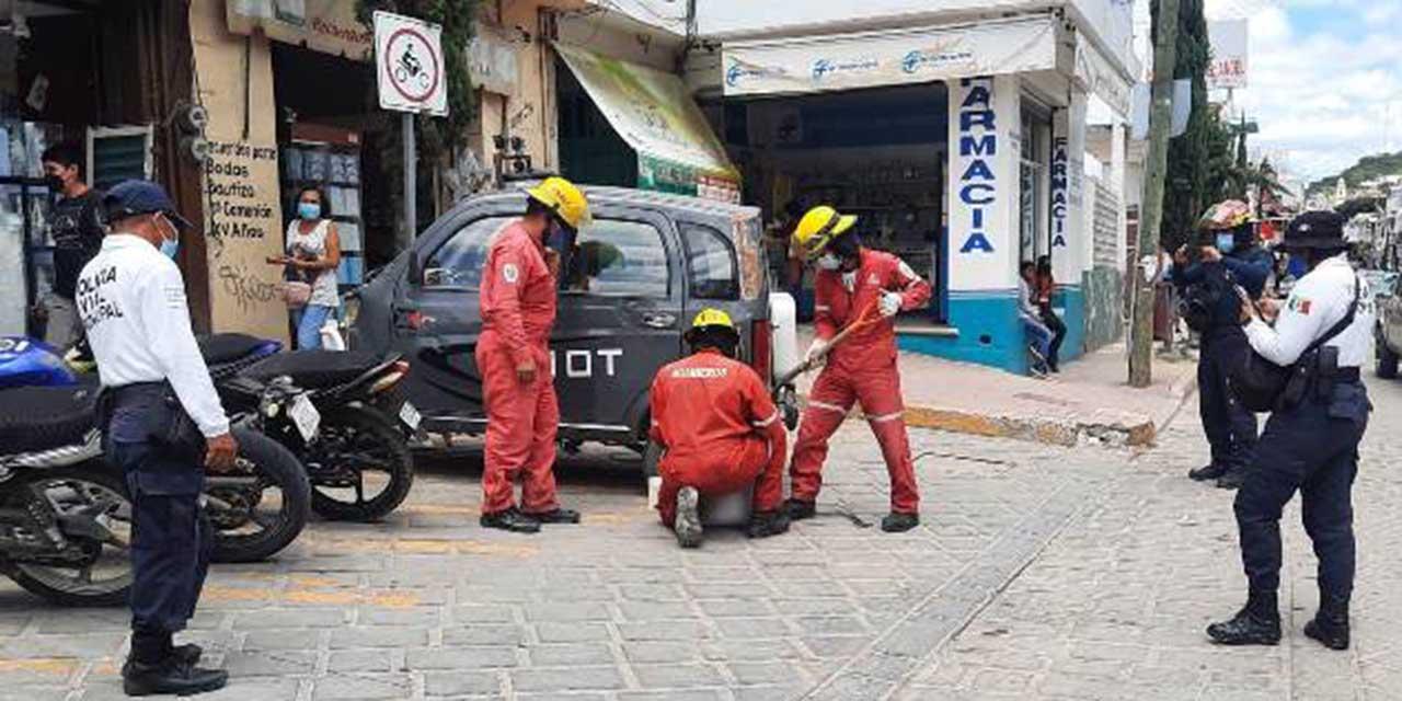 Derrame de combustible moviliza a bomberos   El Imparcial de Oaxaca