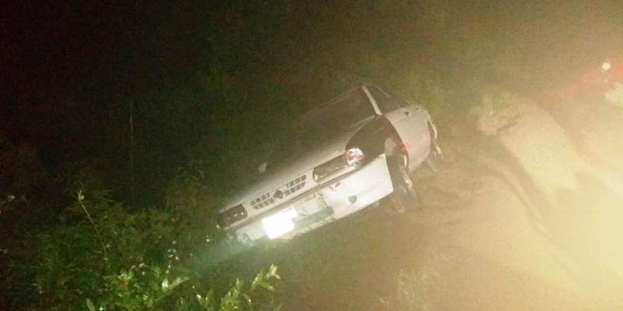Hallan auto siniestrado en La Mixteca | El Imparcial de Oaxaca