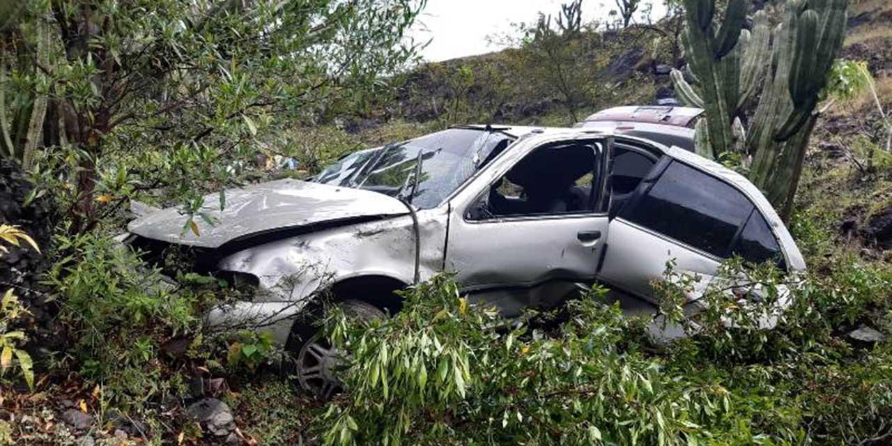 Muere en brutal volcadura en carretera Huajuapan-Oaxaca   El Imparcial de Oaxaca