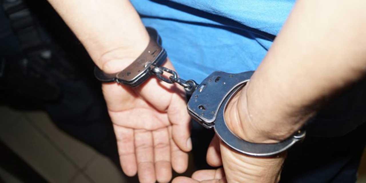 Sorprenden a presunto ladrón robando en auto en Huajuapan | El Imparcial de Oaxaca