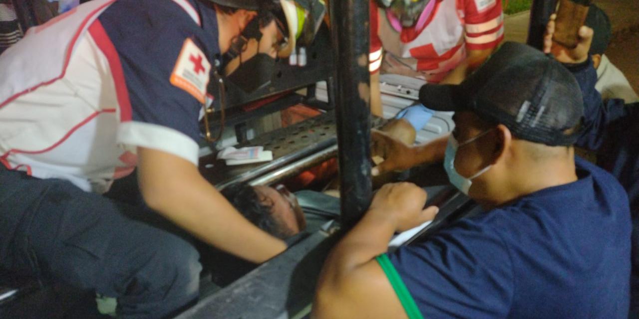 Hombre que amenazaba con secuestrar a una menor, fue brutalmente golpeado en Santiaguito, Etla | El Imparcial de Oaxaca