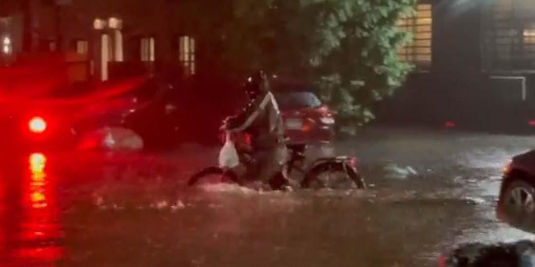 Hispano desafía a huracán 'Ida' porque tenía que ir a trabajar | El Imparcial de Oaxaca