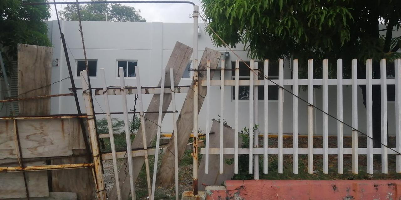 Abandonan hospital de Salina Cruz; falta equipo | El Imparcial de Oaxaca