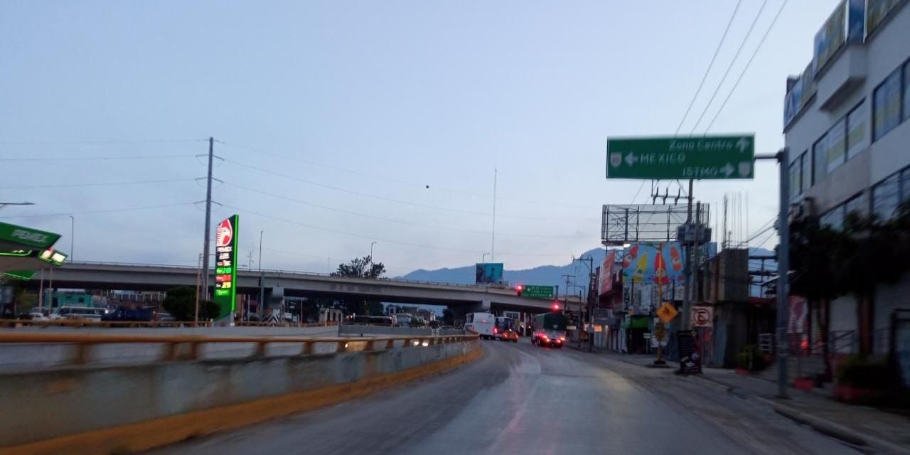 Aparecen mantas en la capital   El Imparcial de Oaxaca
