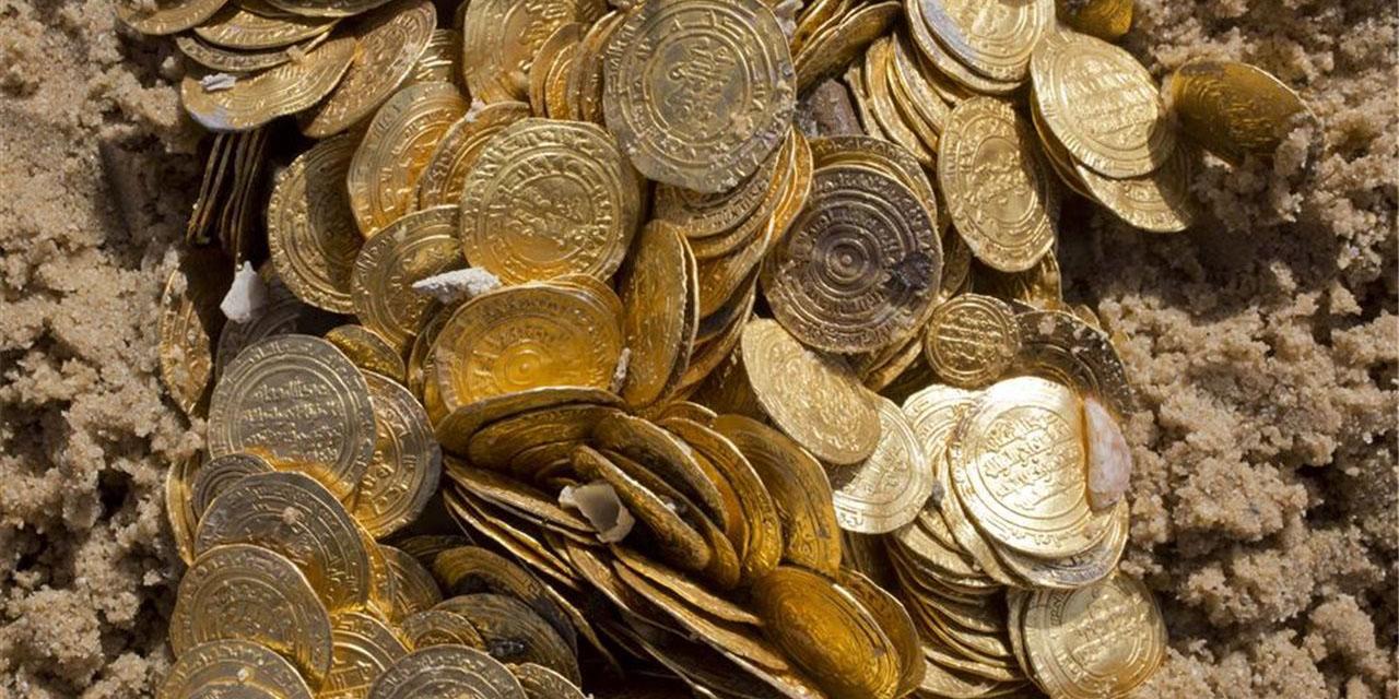 Remodelan su mansión y encuentran cientos de monedas de oro en el proceso   El Imparcial de Oaxaca