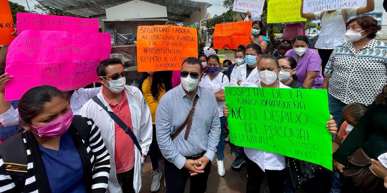 Peligra la vida de 150 niños por despidos en el HNO | El Imparcial de Oaxaca