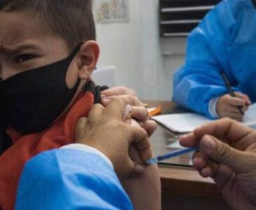 Vacunarán este viernes a más de una veintena de menores contra Covid-19
