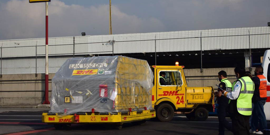 Llega nuevo embarque al AICM de vacunas contra covid de Pfizer   El Imparcial de Oaxaca