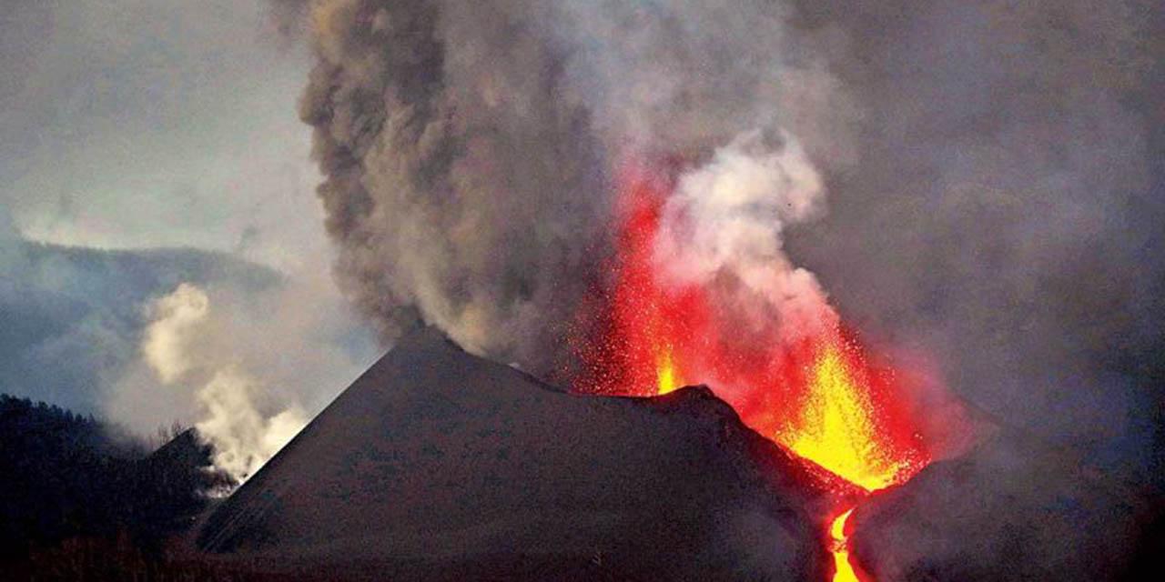 Desalojan a otros 800 por erupción de volcán Cumbre Vieja   El Imparcial de Oaxaca