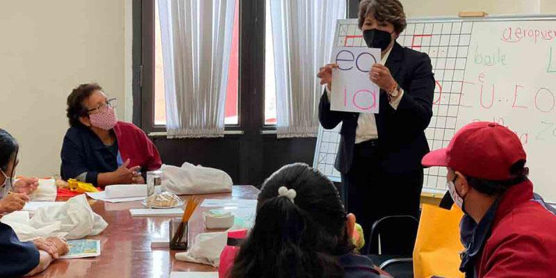 Inicia INEA proceso de alfabetización con personal de mantenimiento de la SEP | El Imparcial de Oaxaca