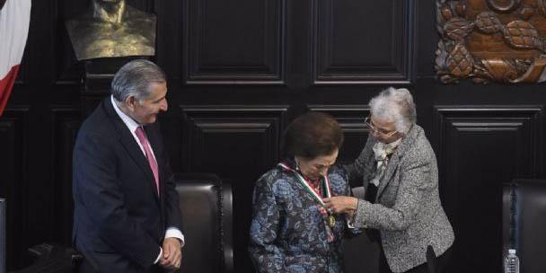 Ifigenia Martínez recibe la Medalla Belisario Domínguez   El Imparcial de Oaxaca