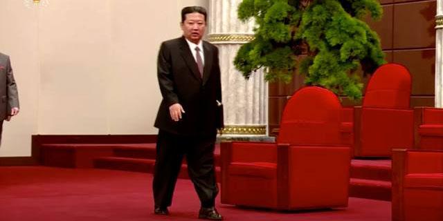 Kim Jong Un aparece en huaraches en un acto oficial en Corea del Norte   El Imparcial de Oaxaca