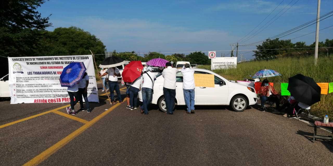 Paralizan carretera federal número 200 en Puerto Escondido | El Imparcial de Oaxaca