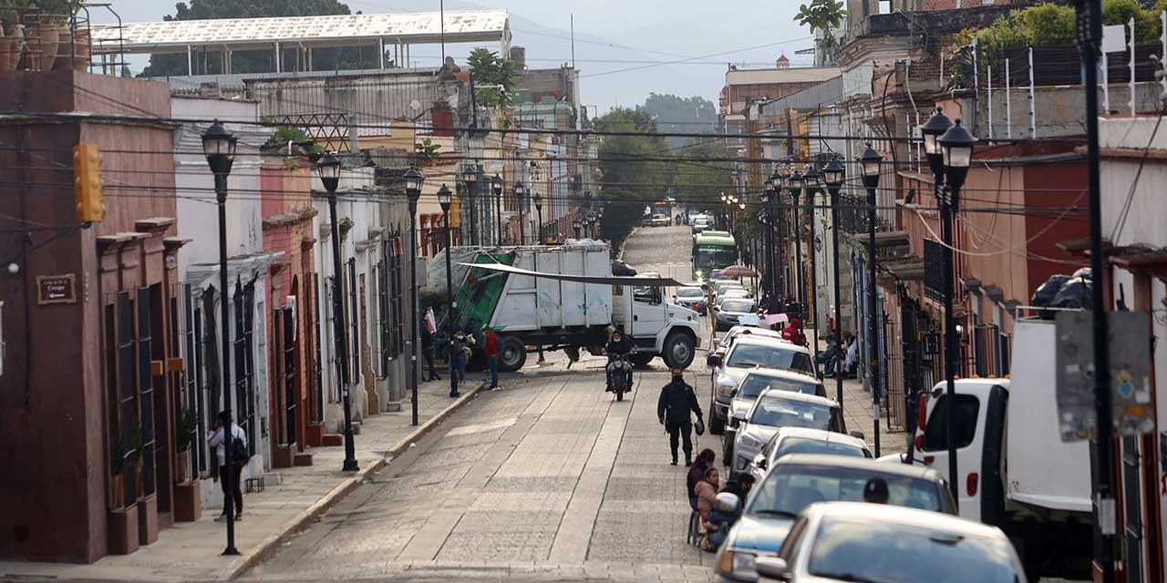 Dialoga Murat con sindicato; retiran bloqueos en la ciudad | El Imparcial de Oaxaca
