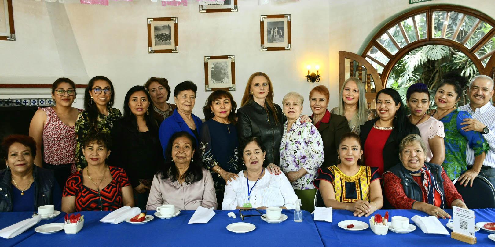 Felicitaciones en su día   El Imparcial de Oaxaca