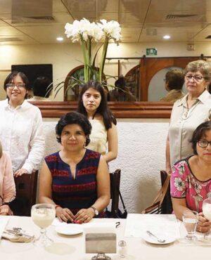 Festeja Club Rotario Oaxaca a cumpleañeras