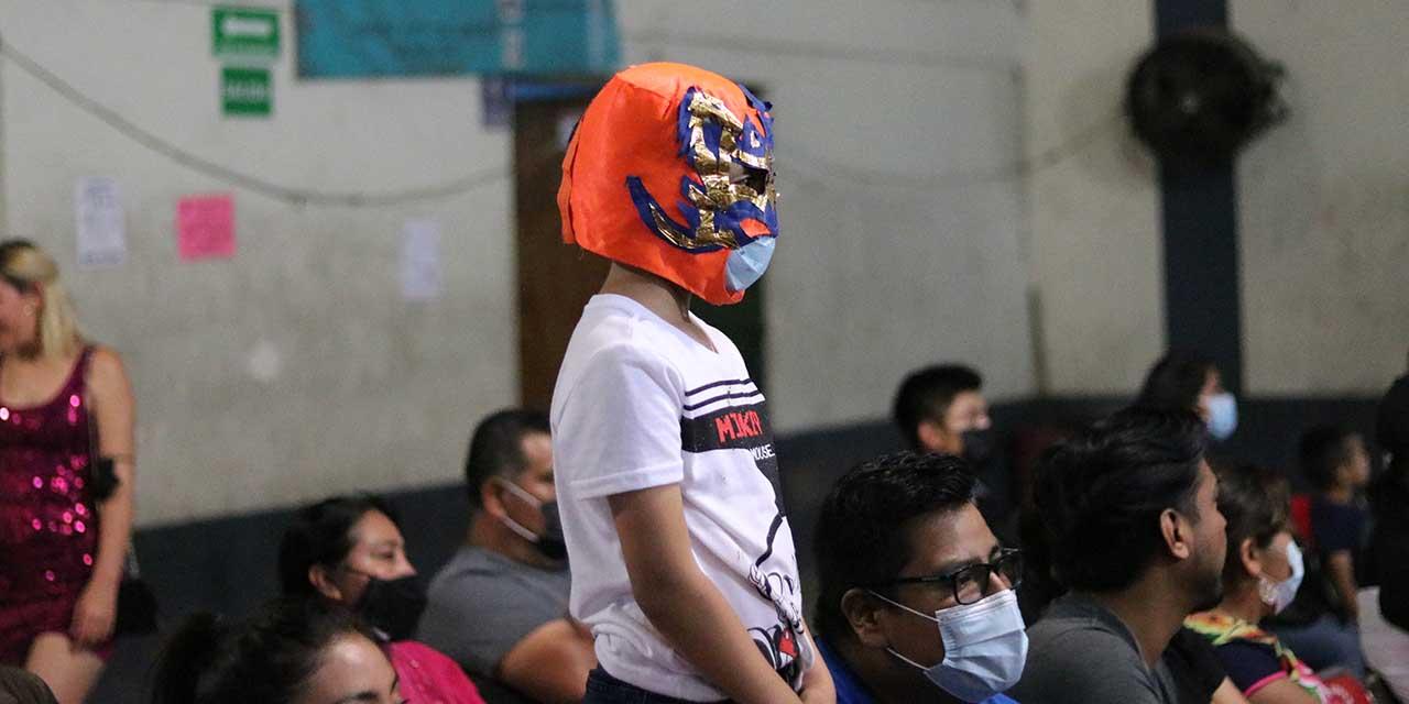 Disfruta afición de la Lucha Libre | El Imparcial de Oaxaca
