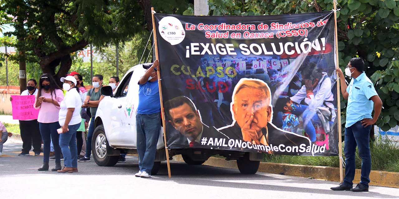 Piden recontratación en SSO; amenazan con escalar protestas   El Imparcial de Oaxaca
