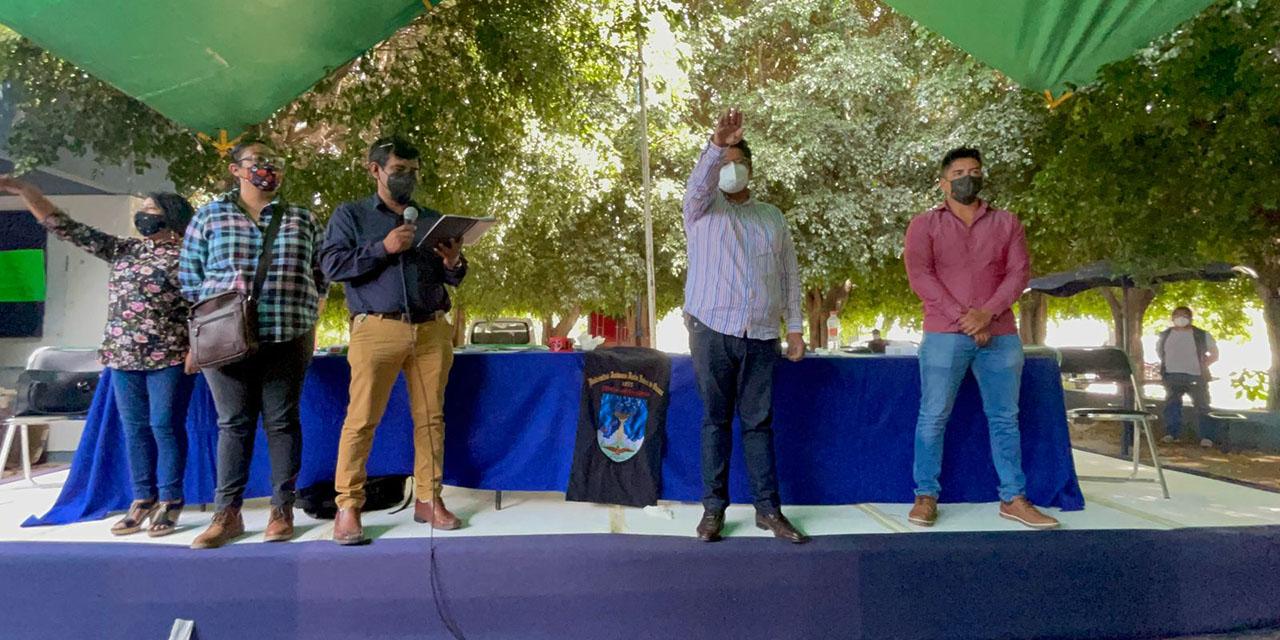 Crisis en STEUABJO,  cambian a dirigente;  exigen cumplir acuerdos | El Imparcial de Oaxaca