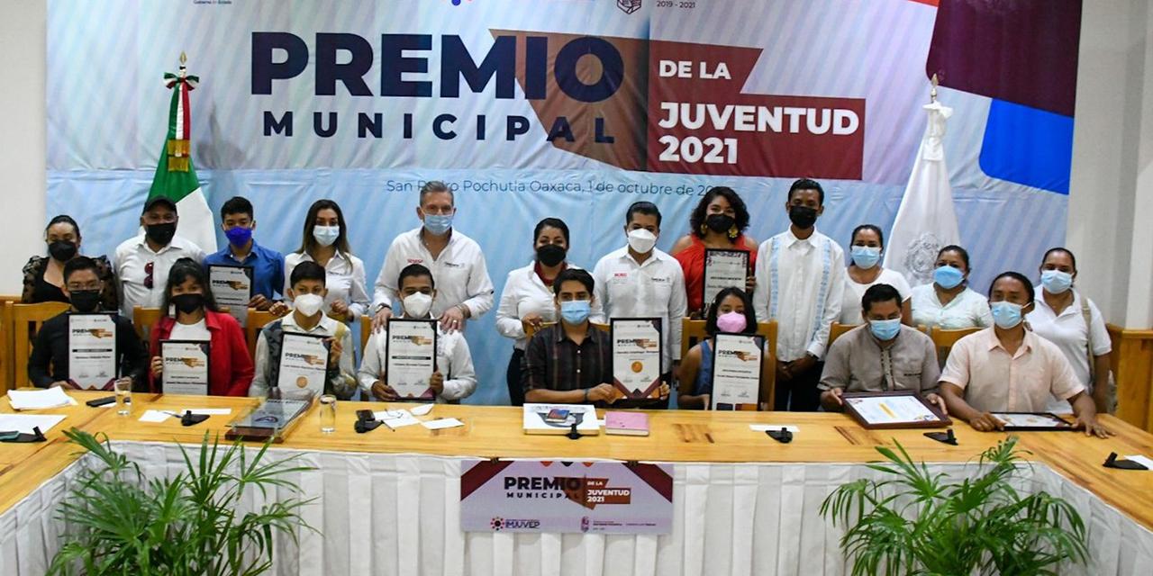 Premian a jóvenes talentosos de Pochutla | El Imparcial de Oaxaca