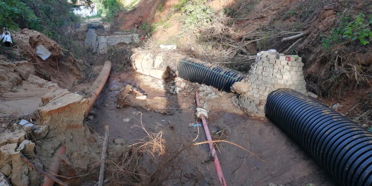 Fuga de aguas residuales   El Imparcial de Oaxaca
