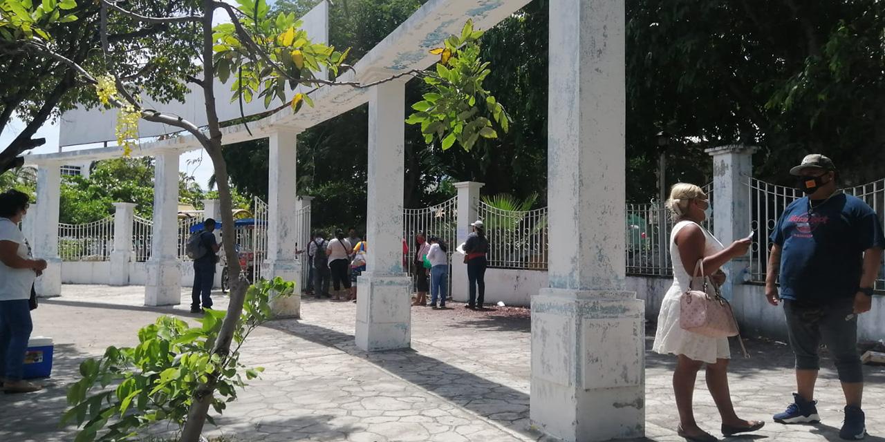 Poca afluencia durante aplicación de 2da dosis en Salina Cruz | El Imparcial de Oaxaca