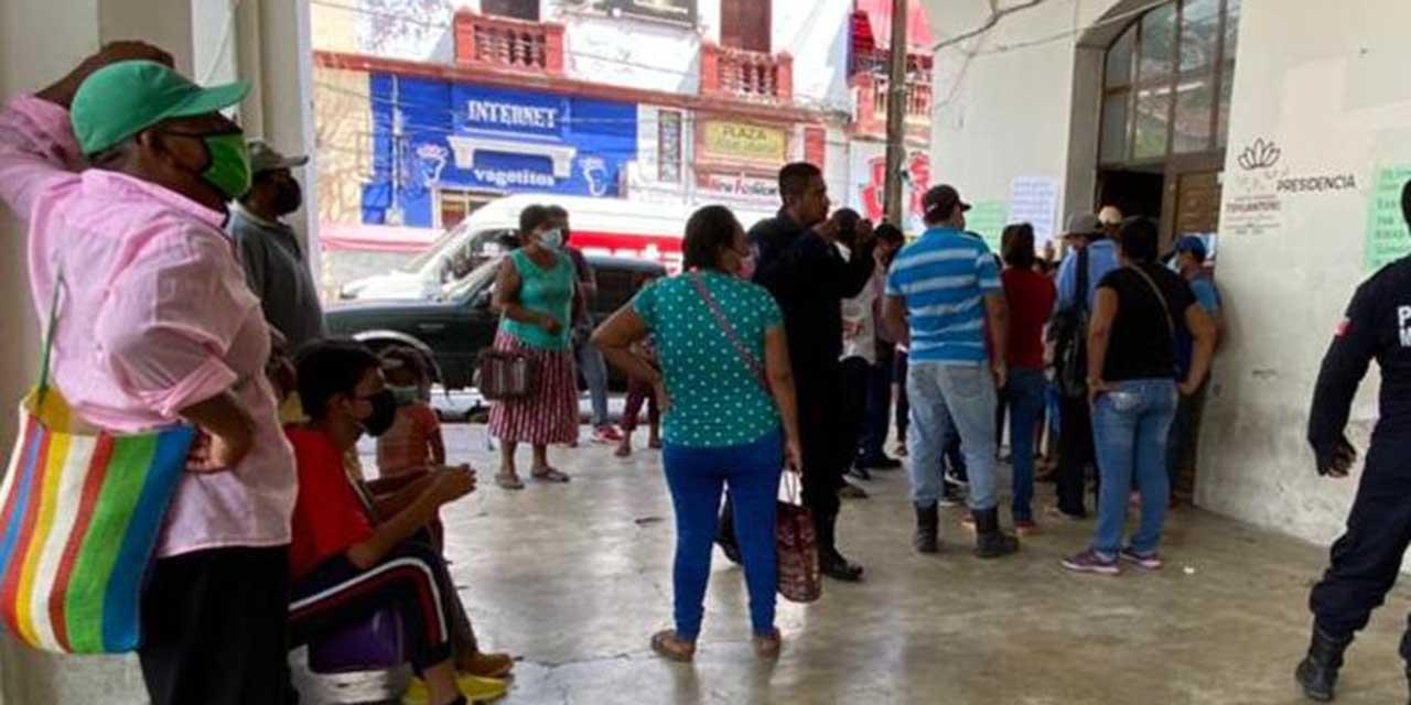 Colonos de Tehuantepec piden cese de un policía   El Imparcial de Oaxaca