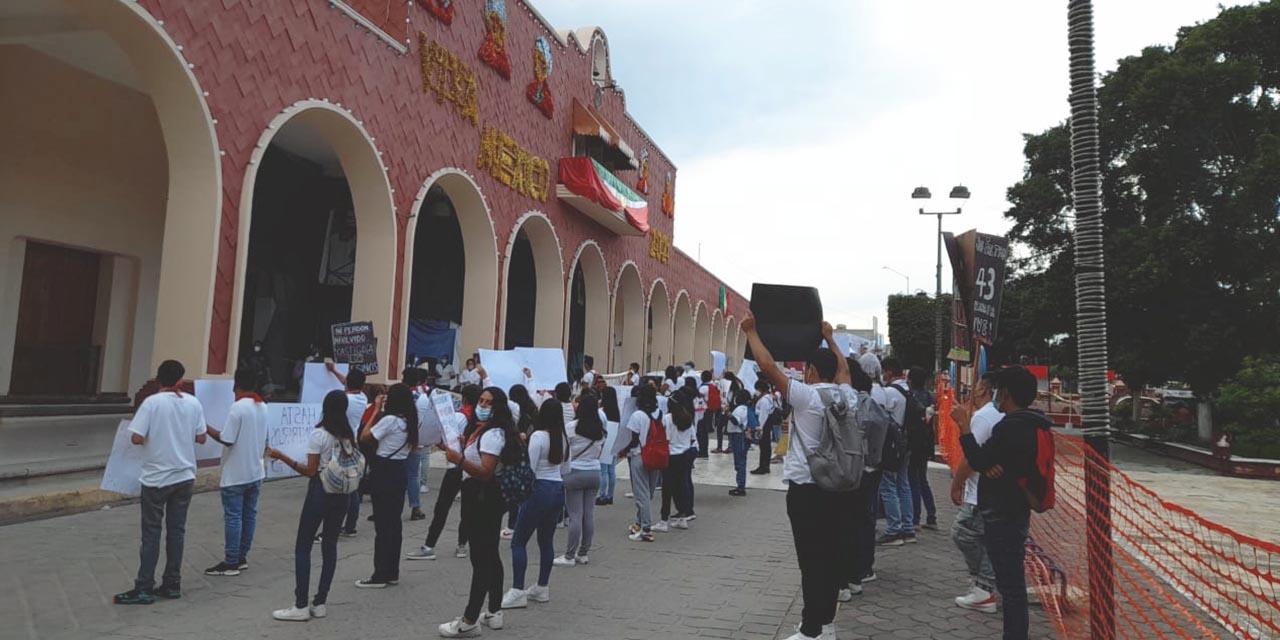 Anuncian normalistas marcha en Huajuapan por el Movimiento Estudiantil del 68   El Imparcial de Oaxaca