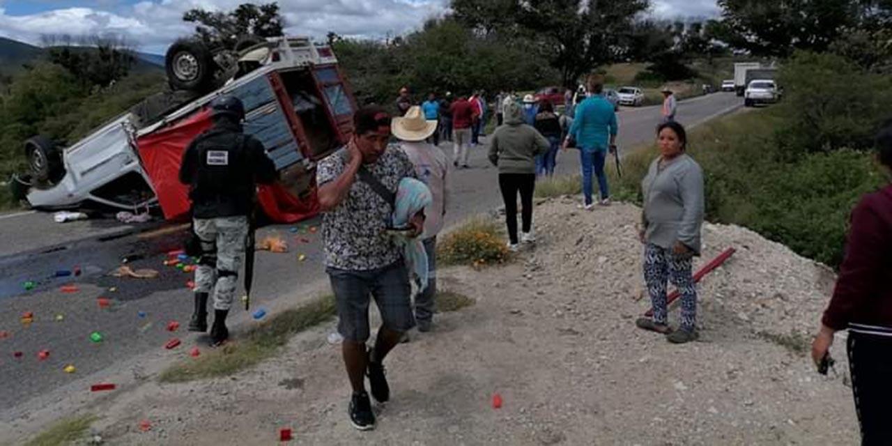 Volcadura en carretera a Miahuatlán