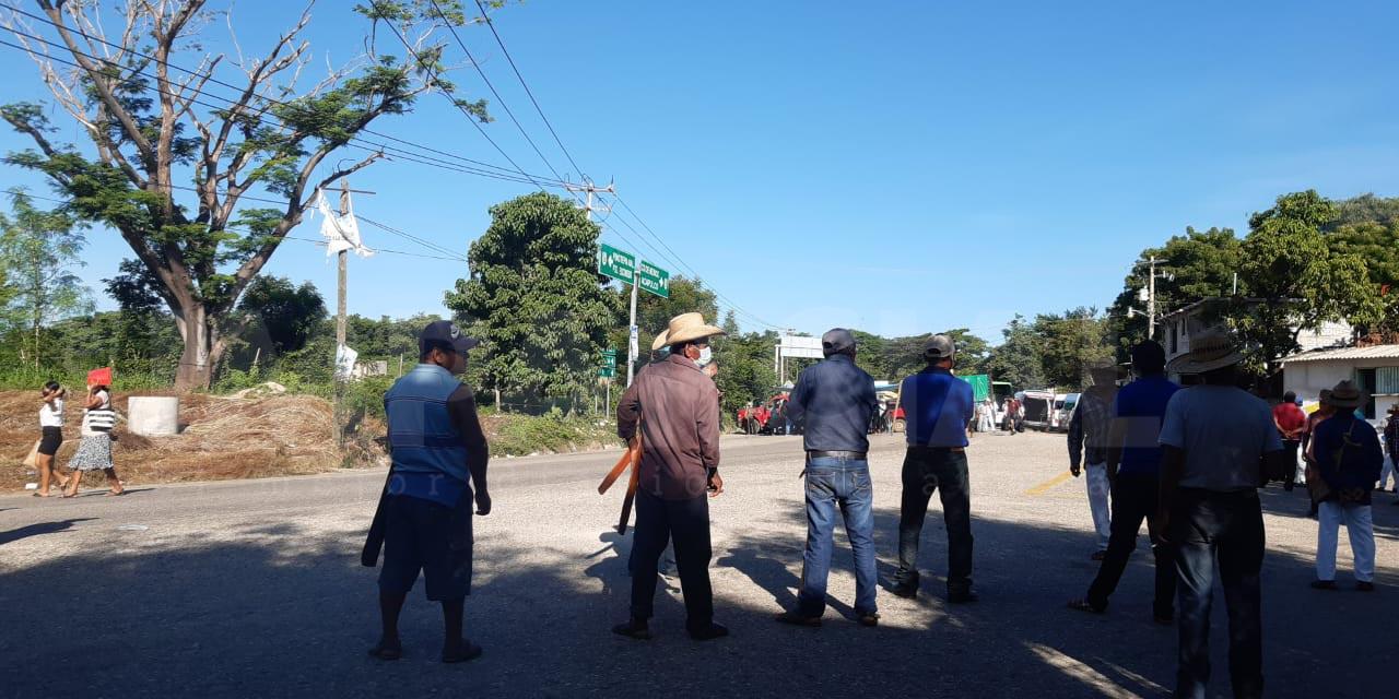 Inicia segundo día de bloqueo en Pinotepa   El Imparcial de Oaxaca