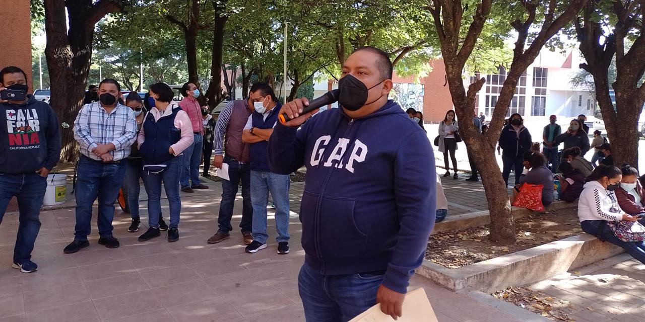 Suspende SECUABJO bloqueos y mantiene retenidos 15 urbanos   El Imparcial de Oaxaca