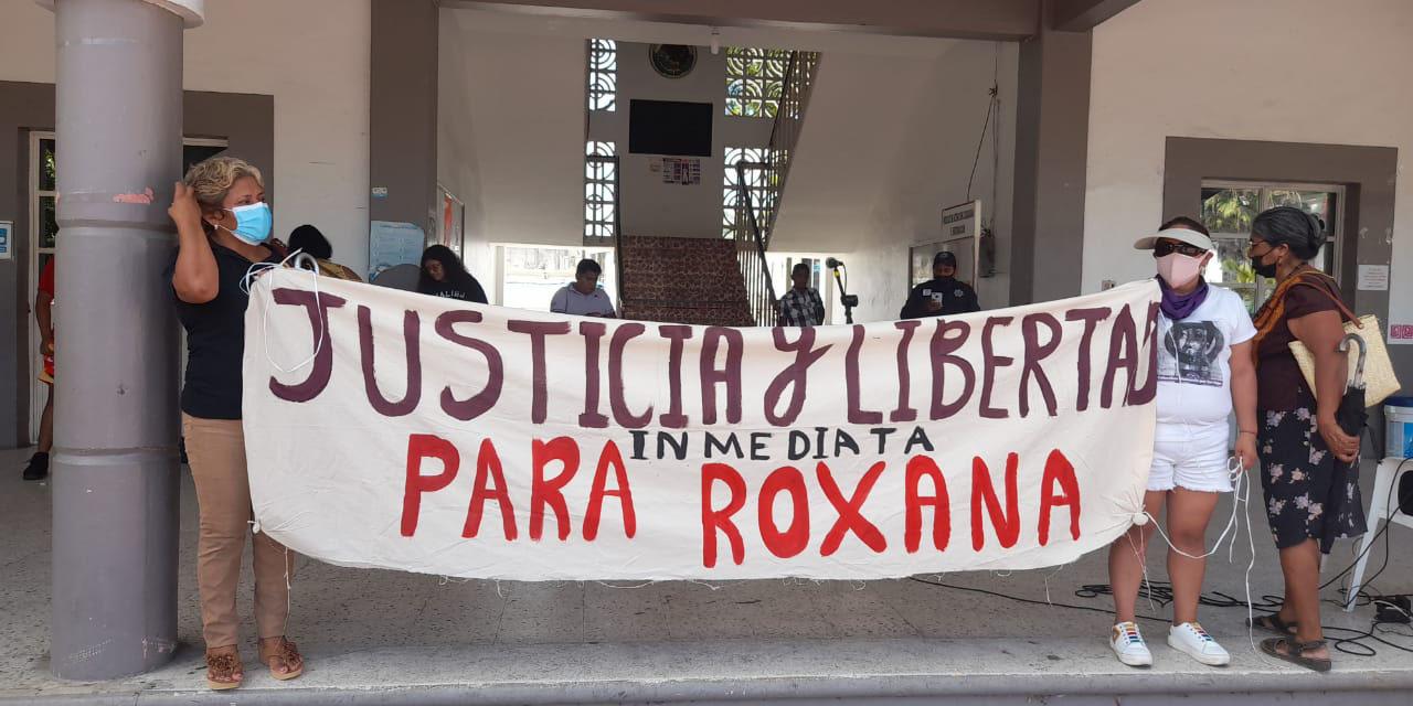 Marchan por Roxana en Pinotepa | El Imparcial de Oaxaca
