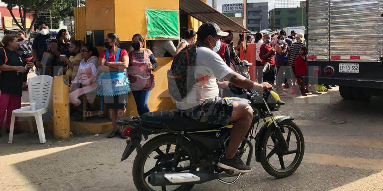 Comerciantes toman estacionamiento del Mercado de Abasto Margarita Maza de Juárez | El Imparcial de Oaxaca