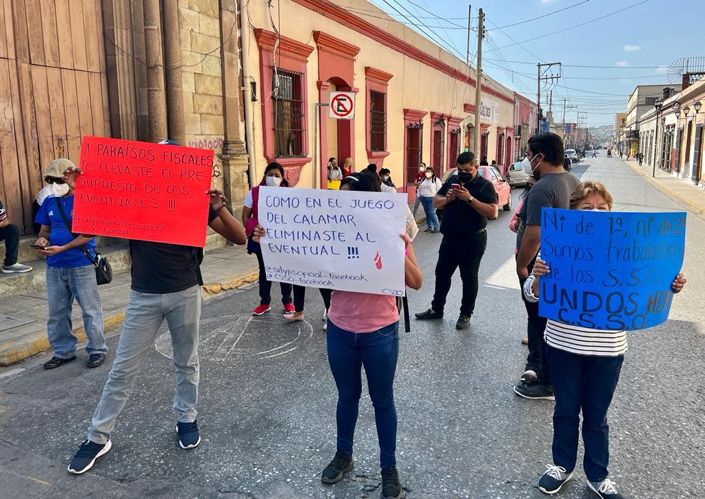 Continúan las manifestaciones por parte de los ex trabajadores de Salud