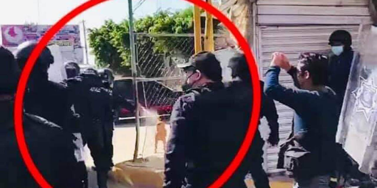 Exigen sanción contra policía que roció gas pimienta a lomito en la Central de Abasto   El Imparcial de Oaxaca