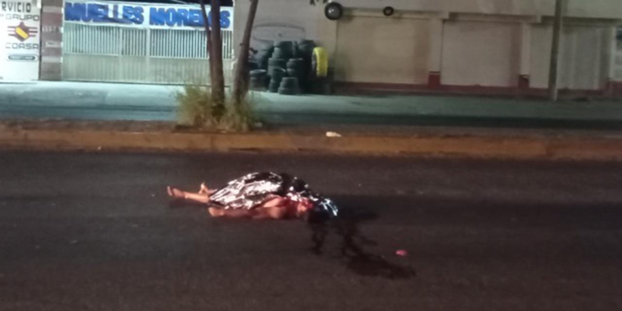 ¡Encuentra horrenda muerte en el asfalto!