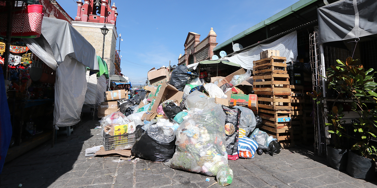 Crisis municipal y la basura se queda en las calles