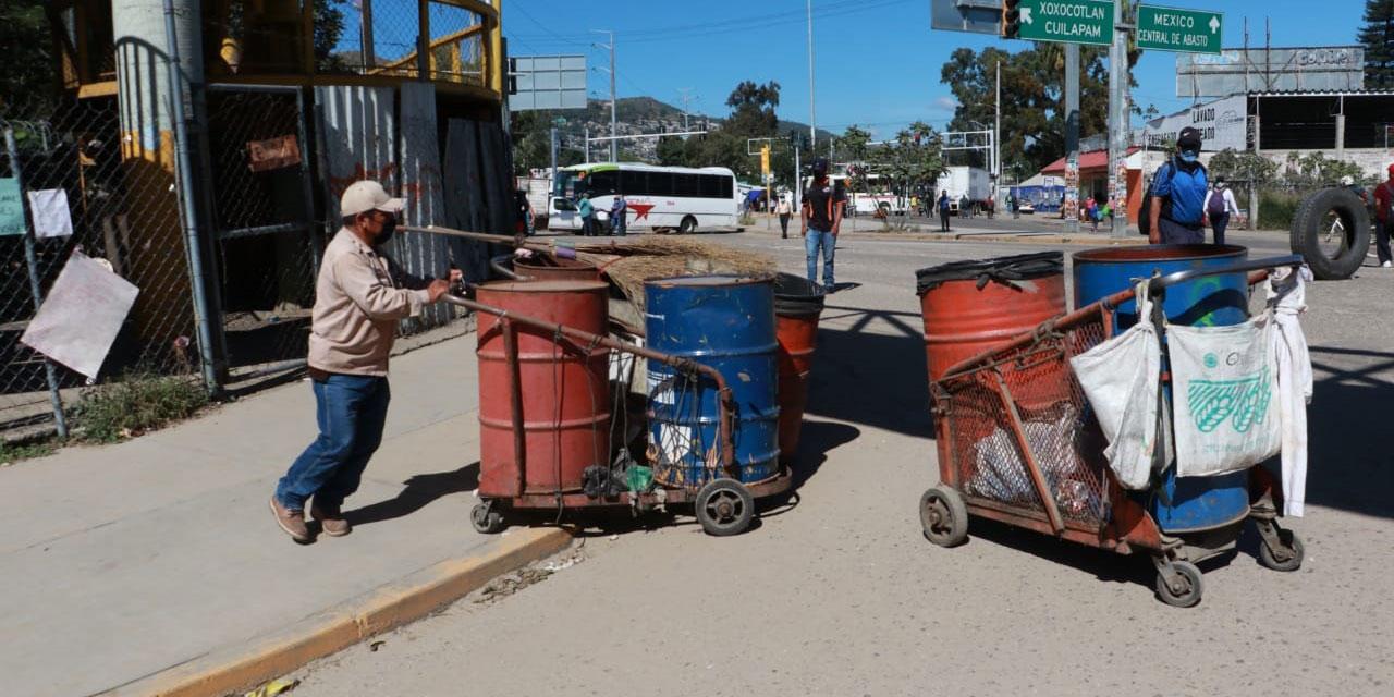 Bloqueos paralizan la capital | El Imparcial de Oaxaca