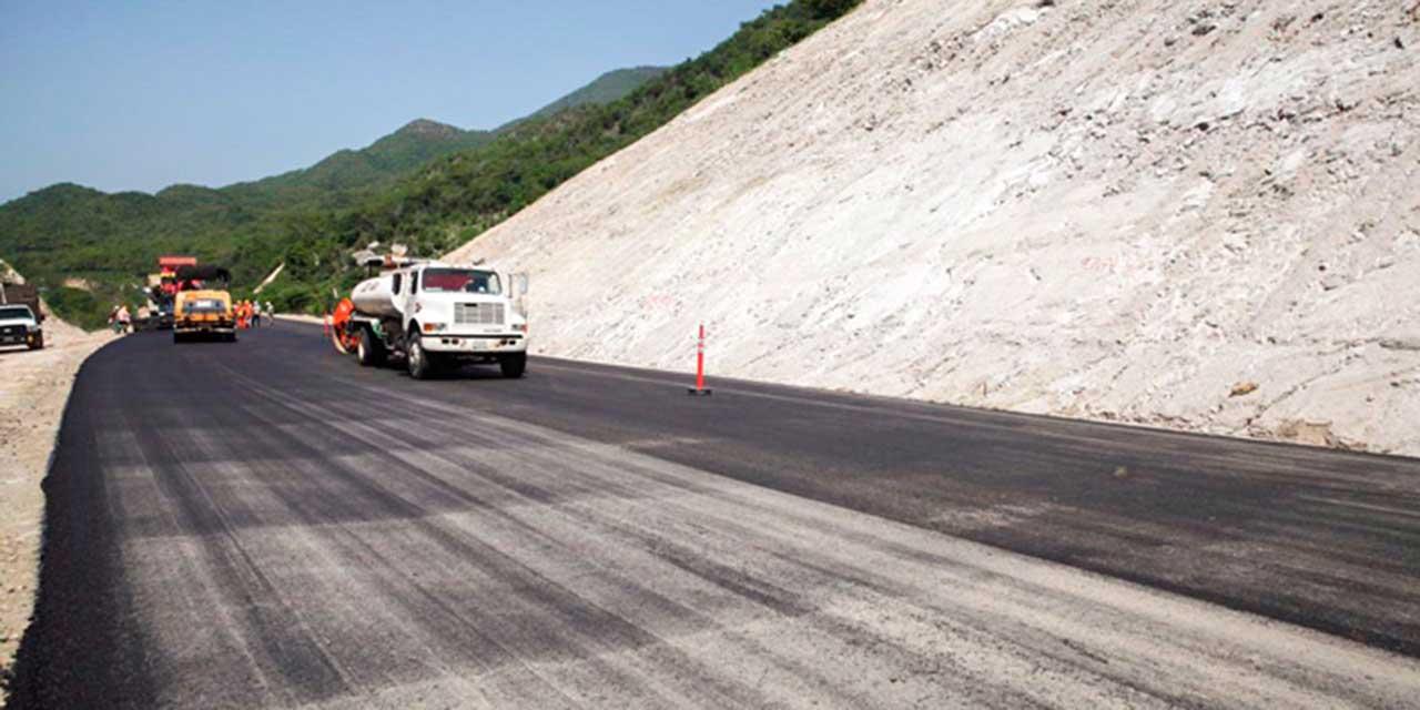 Carreteras al Istmo y Costa de Oaxaca presentan avances superiores al 60%   El Imparcial de Oaxaca