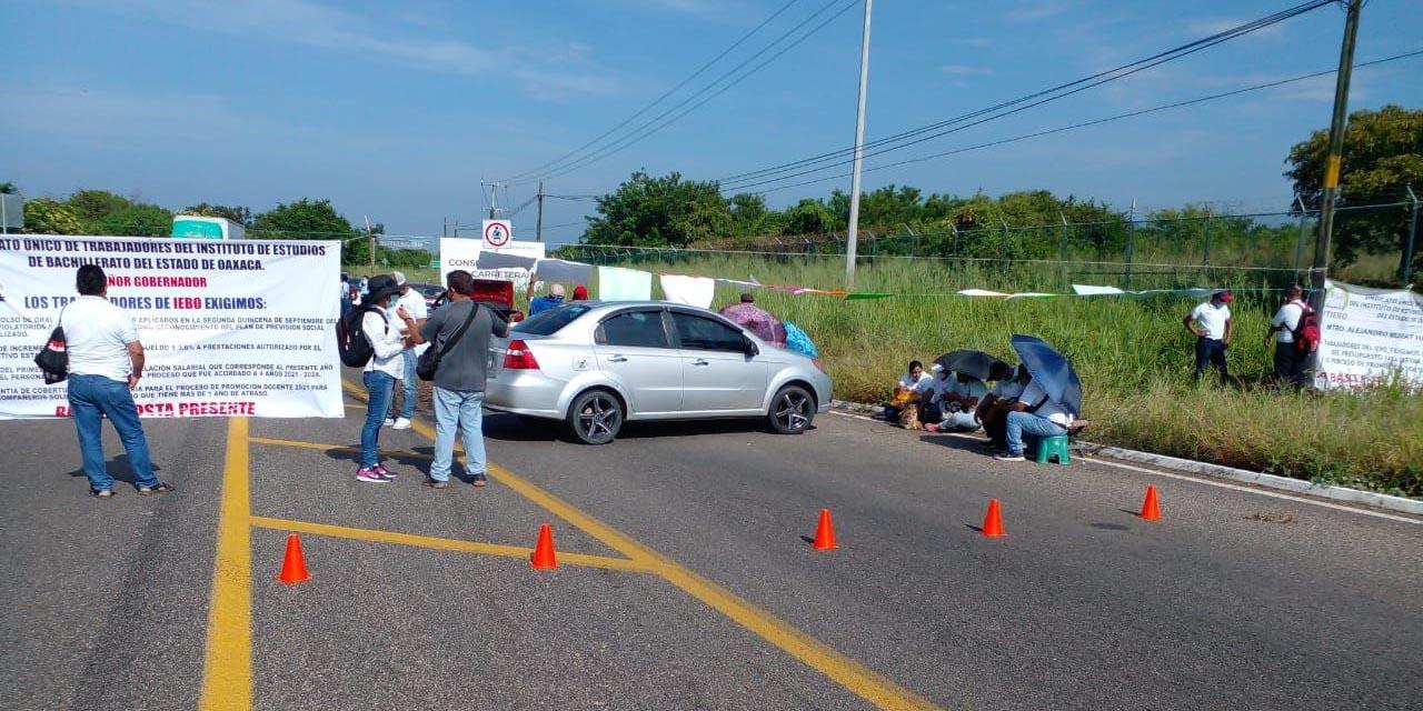 Toma SUTIEBO dependencias y bloquea carreteras   El Imparcial de Oaxaca